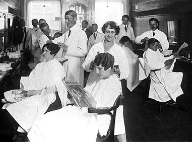 Pics Photos - Women In Barber Shop For Haircut Images Wallpaper